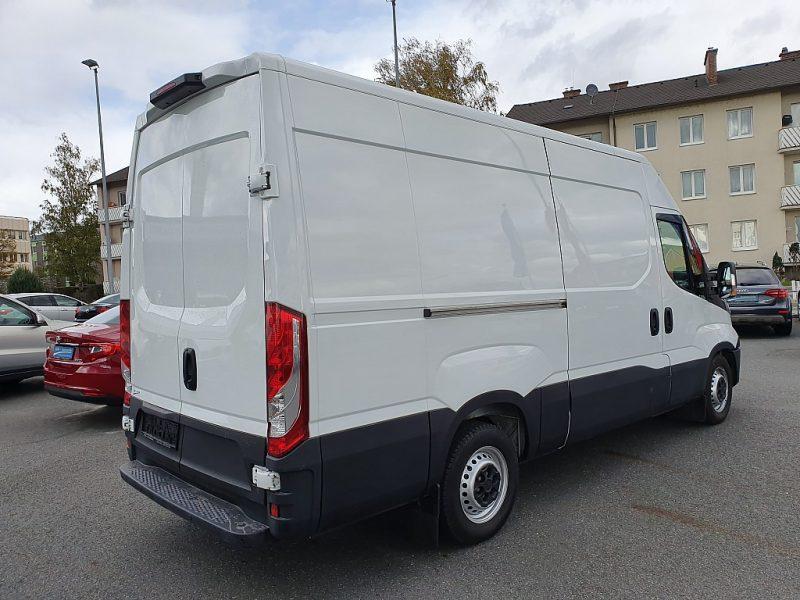 351180_1406431338313_slide bei HWS || Kölbl GmbH in